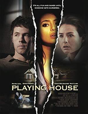 Nevarna gostja - Playing House